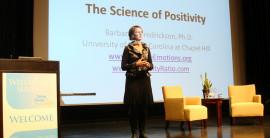 Un aficionado desmonta la millonaria industria de la 'ciencia de la felicidad'