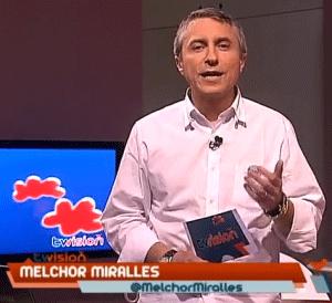 Imagen de Melchor Miralles dirigiendo el programa Twision